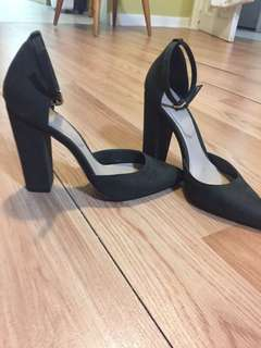 Aldo forest green size 7 Mary J's