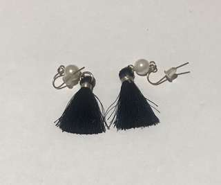 VGC anting tassel
