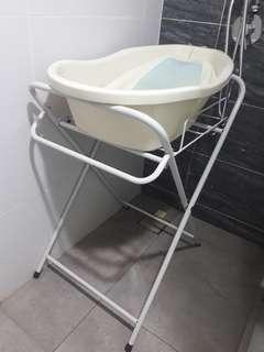 Baby bath tub + stand!!