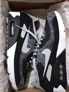 Nike Air Max 90 Ultra 2.0 Flyknit Oreo Authentic Size 42