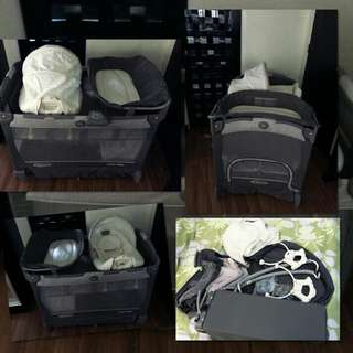 Graco Baby Crib and playpen