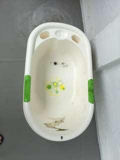 🚚 Baby Bathtub