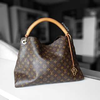 Authentic Louis Vuitton Monogram Artsy MM LV