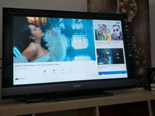 Sony smart tv 42inch negotiable
