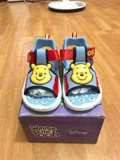 🚚 迪士尼小熊維尼涼鞋 兒童涼鞋19號