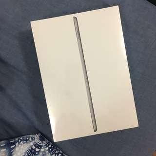 iPad 32GB 6th generation