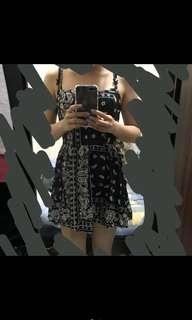 🚚 綁帶式圖騰洋裝