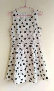 🚚 轉賣東京著衣~深藍色蕾絲花朵洋裝