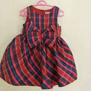 Girl's dress and shoes
