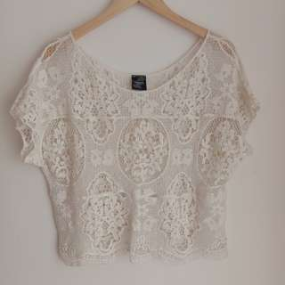 (S/M) White Lace Semi Crop Top Perfect for Summer Outfits