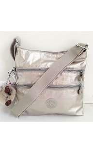 Bnew Kipling sling bag