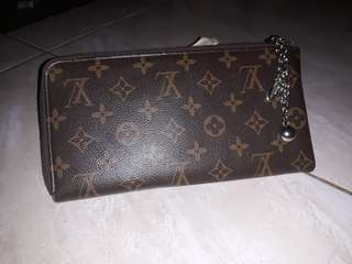 CLUTH LV