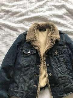 denim jacket w faux fur collar & fleece lining