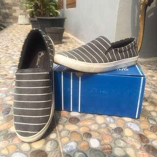 Dr. kelvin slip on shoes #maudecay
