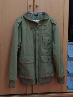 🚚 日本潮牌外套,舖棉,有送洗乾淨,2000