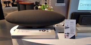 Bowers and Wilkins Zeppelin Wireless (BNIB)
