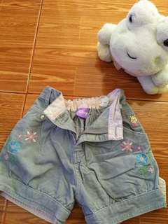 Celana pendek balita