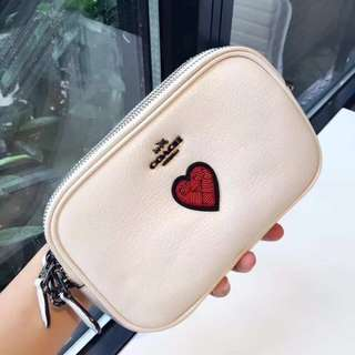 Coach souvenir❤️ clutch/crossbody