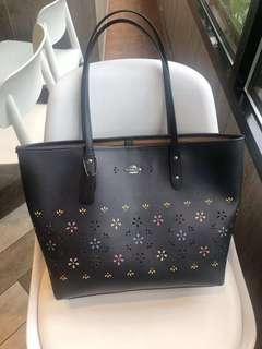 ♥️ Coach tote bag 2️⃣ colours