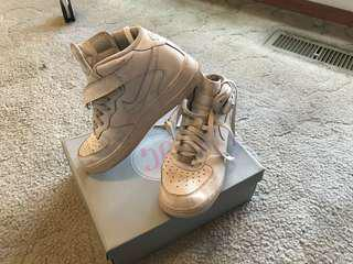 Old Nike Airforces