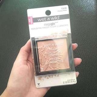 WET N WILD HIGHLIGHTER PRECIOUS PETALS