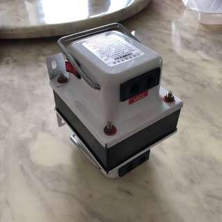 Travel Adaptor, converters Power transformers