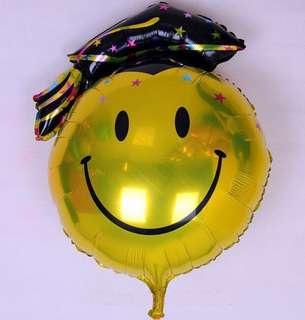 Graduation balloon (smiley face with hat)