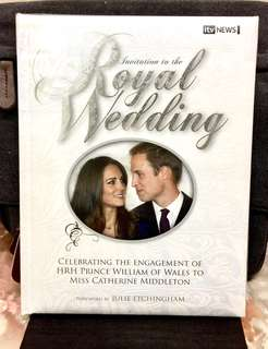 《Hardcover Collection Edition + The Story Of A Modern Royal Romance》Ian Lloyd - INVITATION TO THE ROYAL WEDDING : Celebrating the Engagement of HRH Prince William of Wales to Miss Catherine Middleton