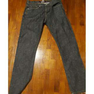 🚚 Tommy Hilfiger Hudson Blue Dark Wash Men Jeans (size 32/33)