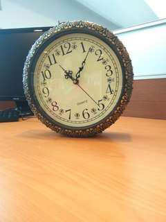 經典古著風 【買一送一】掛鐘 吊掛時鐘 鐘 雙面鐘 經典時鐘 最後降價了歐😂😂😂