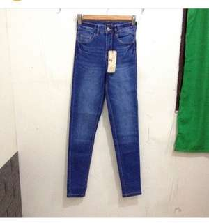 Bershka Highwaist Jeans