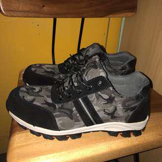 Sports look safety shoe