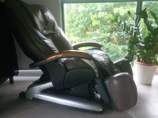 OSIM massage chair(totally out of order)