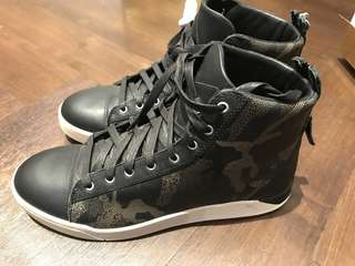 DIESEL DIAMOND  Camouflage high cut sneakers size 10US