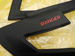 Ford ranger 2012 Black Headlamp Cover
