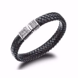 🚚 Men's Titanium steel and leather bracelet