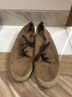 Sepatu Cowo Massimo Dutti