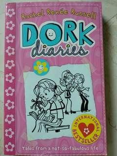 Dork Diaries Vol. 1 (Rachel Renee Russel)