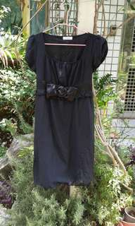 🚚 黑色休閒小洋裝