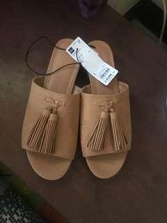 GU sandals