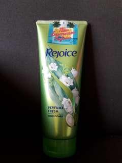 Rejoice Perfume Fresh Conditioner (320ml)