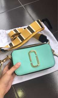 Marc Jacobs Snapshot sling bag