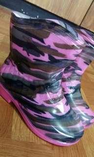 Rain boots for kids