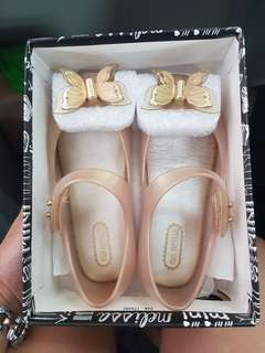 Mini Melissa Ultragirl Fly s9 Butterfly size 9 pearlized beige kids shoes