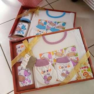 Paket baju bayi - kado bayi