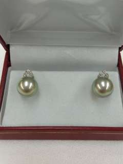 18K White Gold Tahiti Sea Water Pearl with Diamonds Earrings