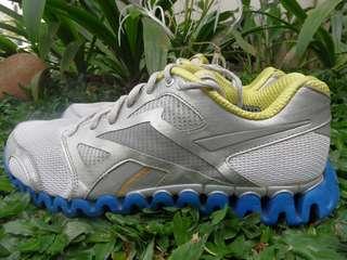Preloved Reebok Zignano Sport Shoes for Men