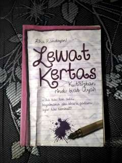 "Novel ""Lewat kertas"""