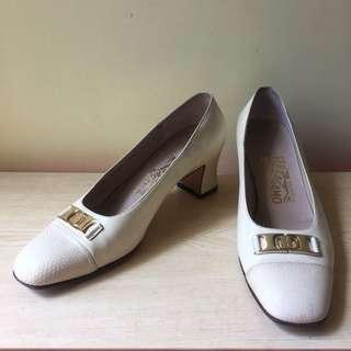 Salvatore Ferragamo cream & gold high heeled shoes