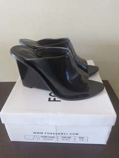 Forever 21 wedge mule shoes